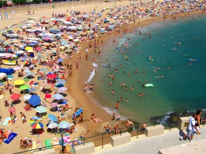 Typical_Crowded_Beachsmall